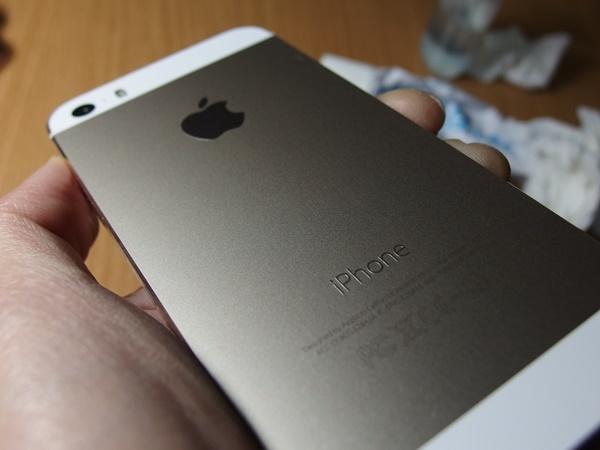 TPUのiPhone用ソフトケースを交換する!ついでに日焼け跡?も除去しといた