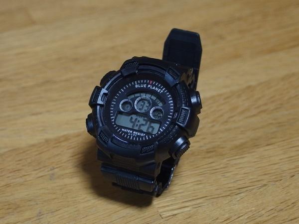 ダイソーの300円腕時計が防水処理仕様でなかなか本格的な件