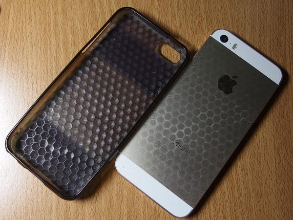 TPU素材のiPhoneケース6