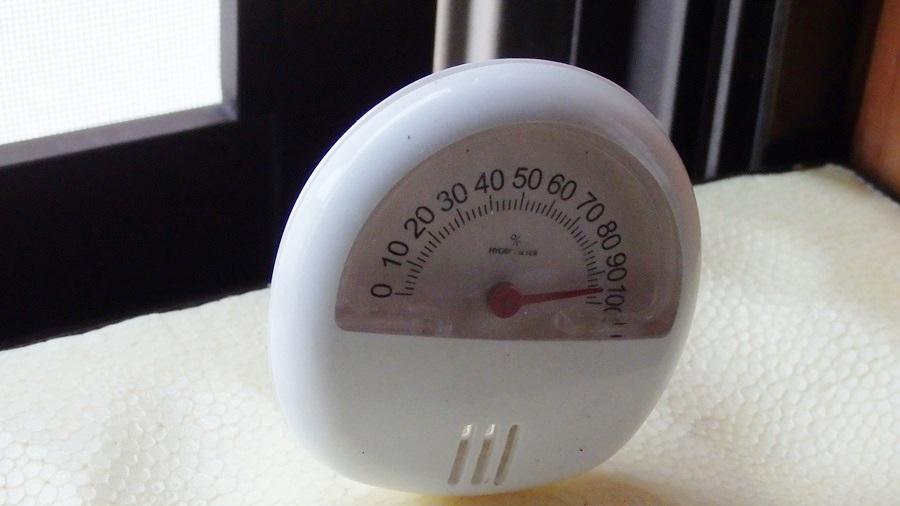 ダイソーの湿度計