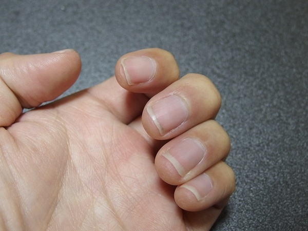 百均の爪ブラシ