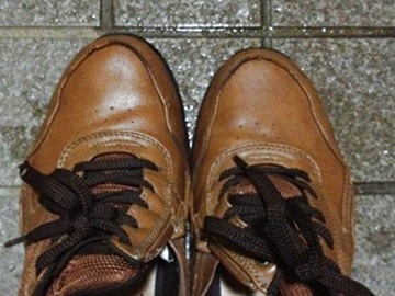 ダイソー商品で靴底補修する