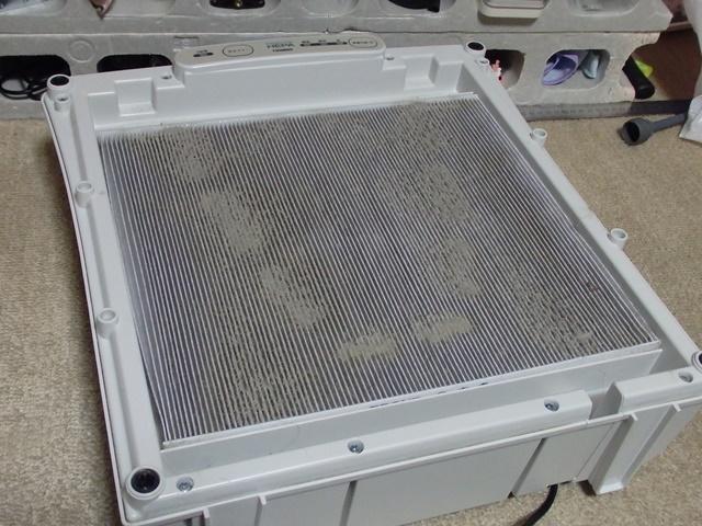ツインバードの空気清浄機の使用済フィルター1