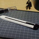 オルファの特専黒刃仕様のカッター サーフ。DAISOエディション