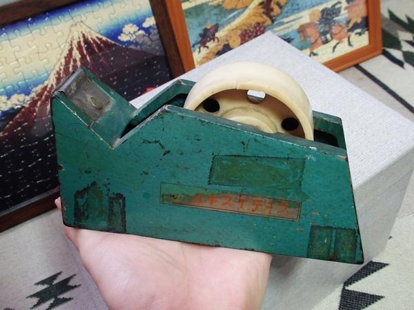 鉄製テープカッター